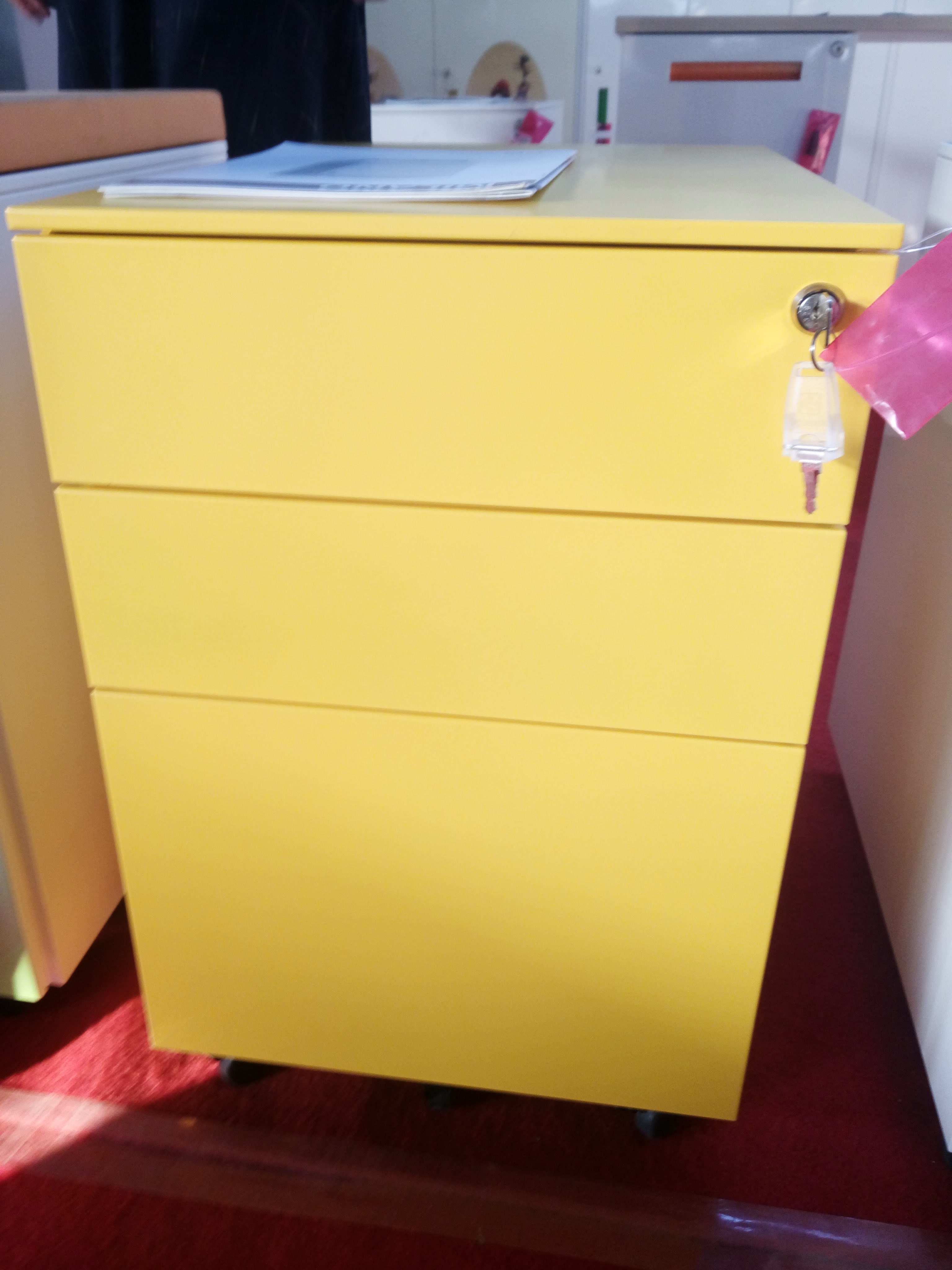Steel metal pedestal moving cabinet