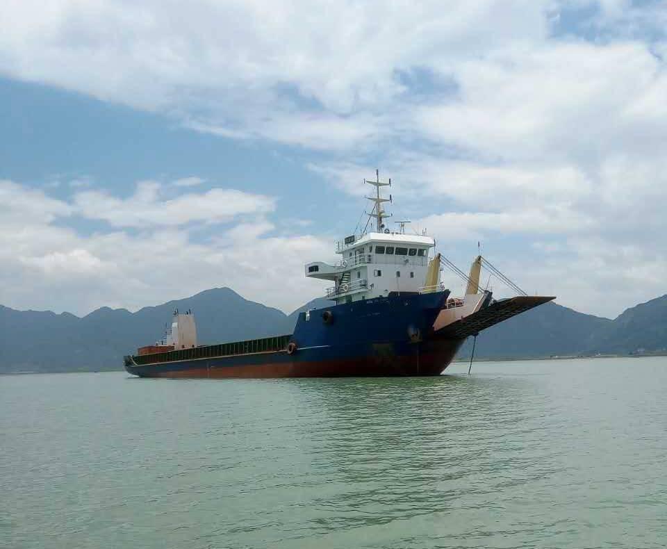 2116DWT 156TEU top flat deck barges for sale