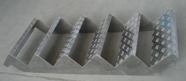 Yangzhou Synergy Aluminium Scaffolding Stretcher Stair