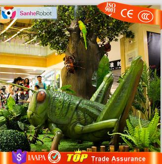 Reptile Suppliers decorative giant fiberglass grasshopper model