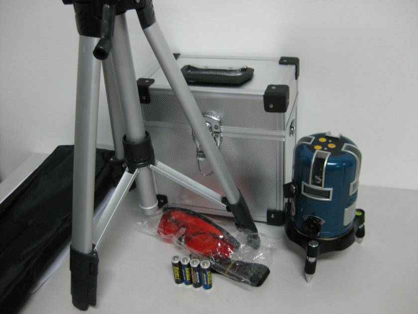 supply LPT-041 laser level measuring tool