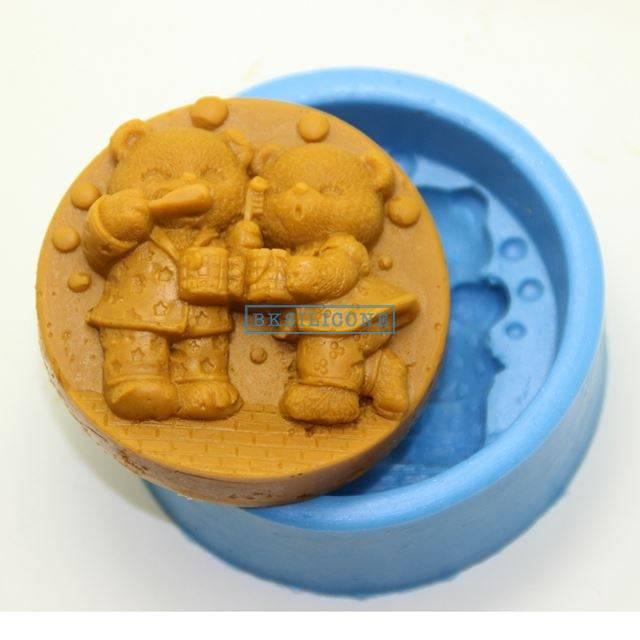 Lover Bear Brush Teeth Silicone Chocolate Mold Cake Cooky Soap Mold  AB018