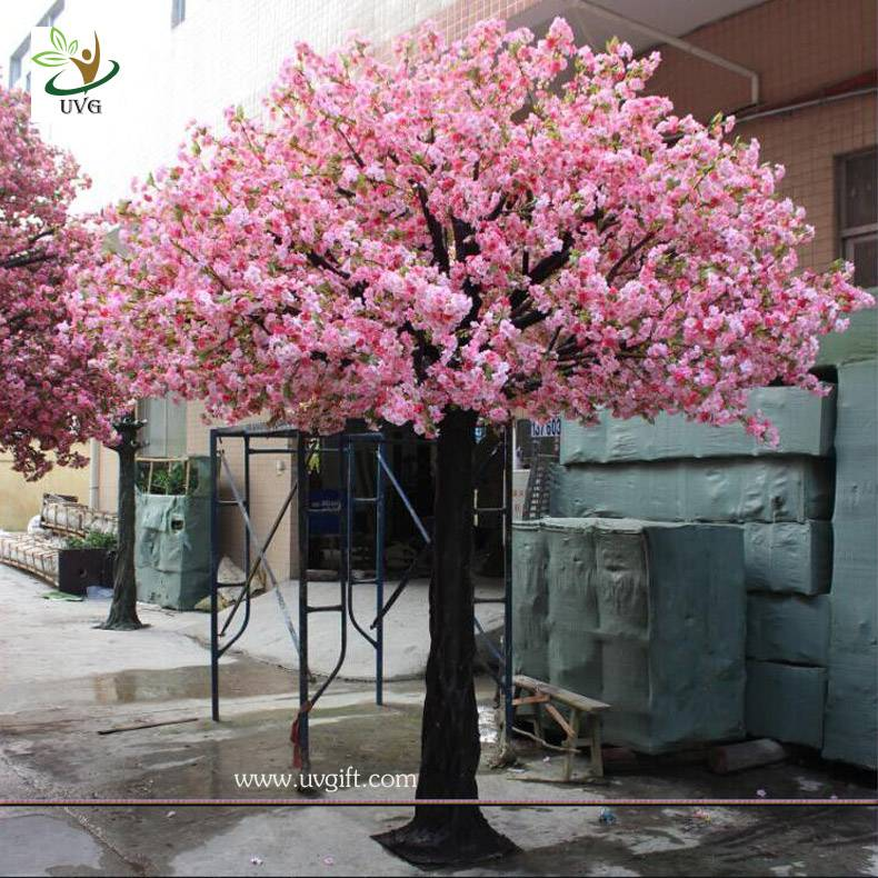 UVG CHR126 indoor decorative artificial tree with white cherry blossoms for wedding stage decoration