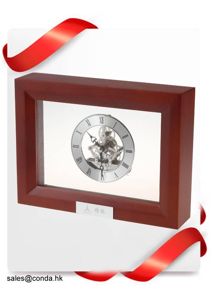 Conda Quartz wooden desk clock K8030