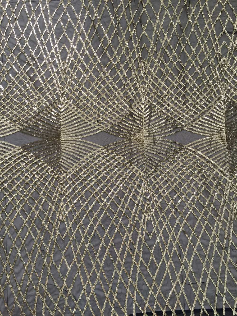 New fashion design China factory gold sequin net fabric for wedding dress