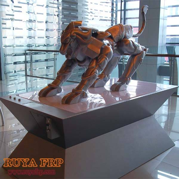 Leo sculpture,shopping mall display decoration fiberglass material crafts China supplier
