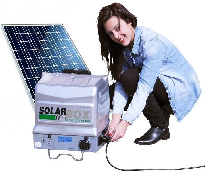 DC to AC 12V 220V Solar Power Inverter with Solar Charge Controller