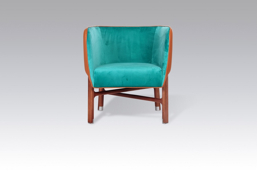 Hermes chair with solid wood legs