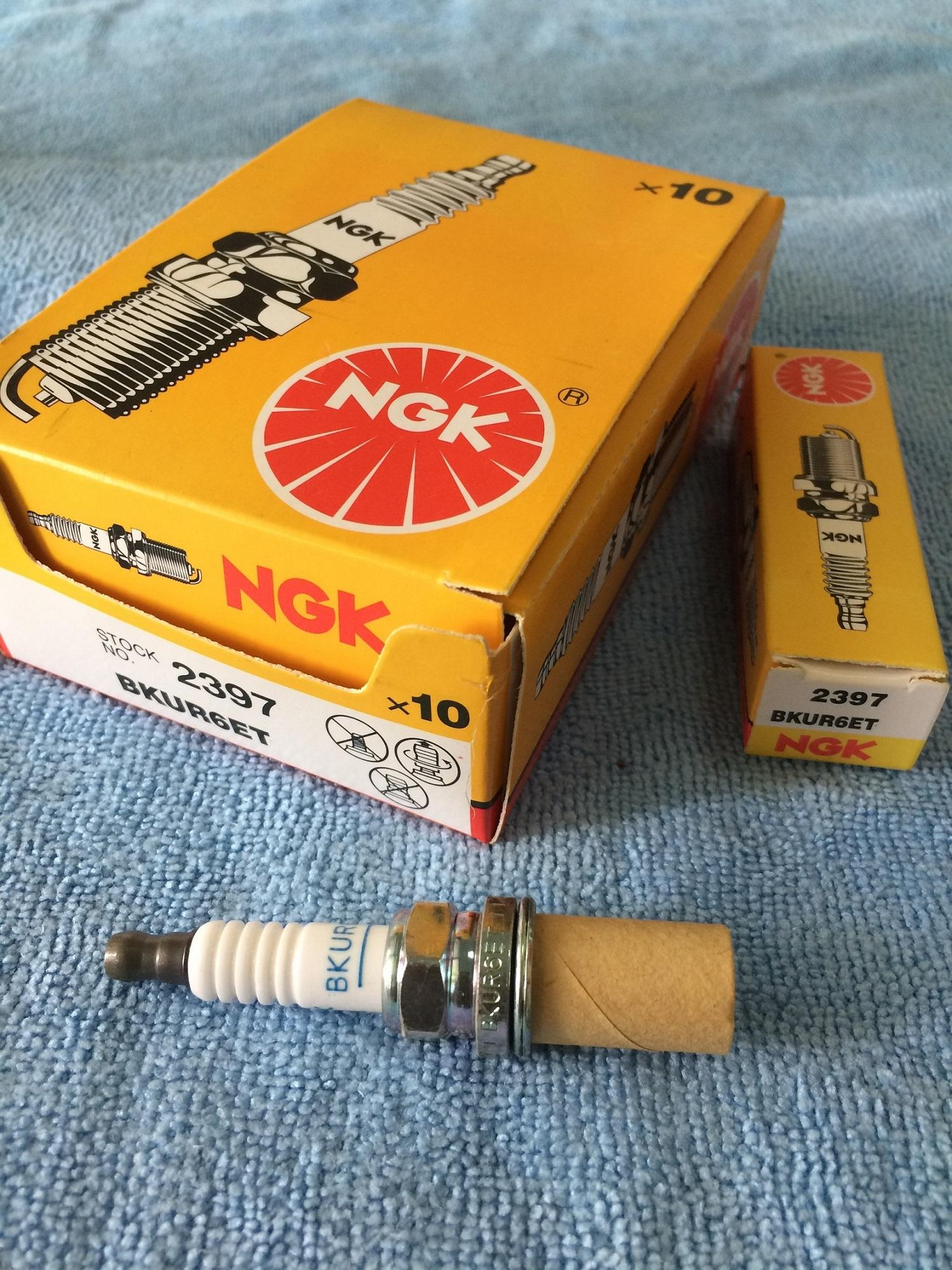 NGK BKUR6ET-10 SPARK PLUG FOR AUDI,SEAT, SKODA, VW, MERCEDES, RENAULT