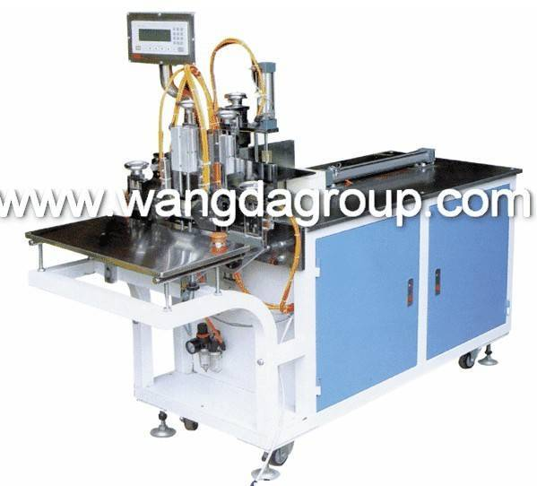 WD-822D Soft Face Tissue Bagging and Sealing Machine