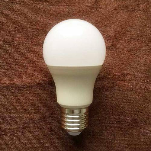 Light 2015 New A60 7W E27 LED Lamp with CE