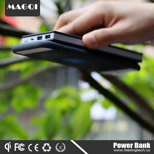 Portable qi wireless magnetic power bank 8000mah