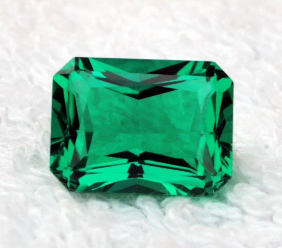 lab created emerald