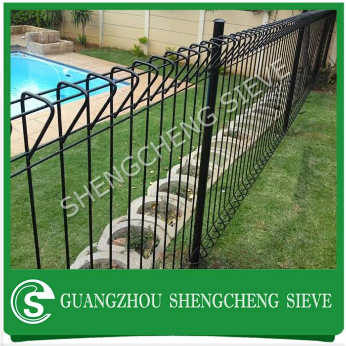 Used safety welded wire mesh roll top fencing for children