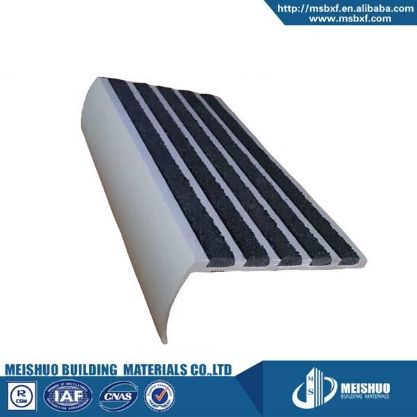 Round angle aluminum exterior staircase nosing