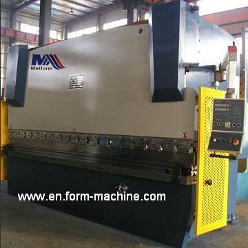 Hydraulic top-drive press brake 100 Tons