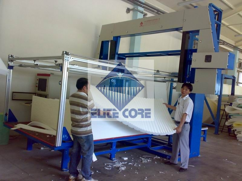 CNC foam contour cutting machine