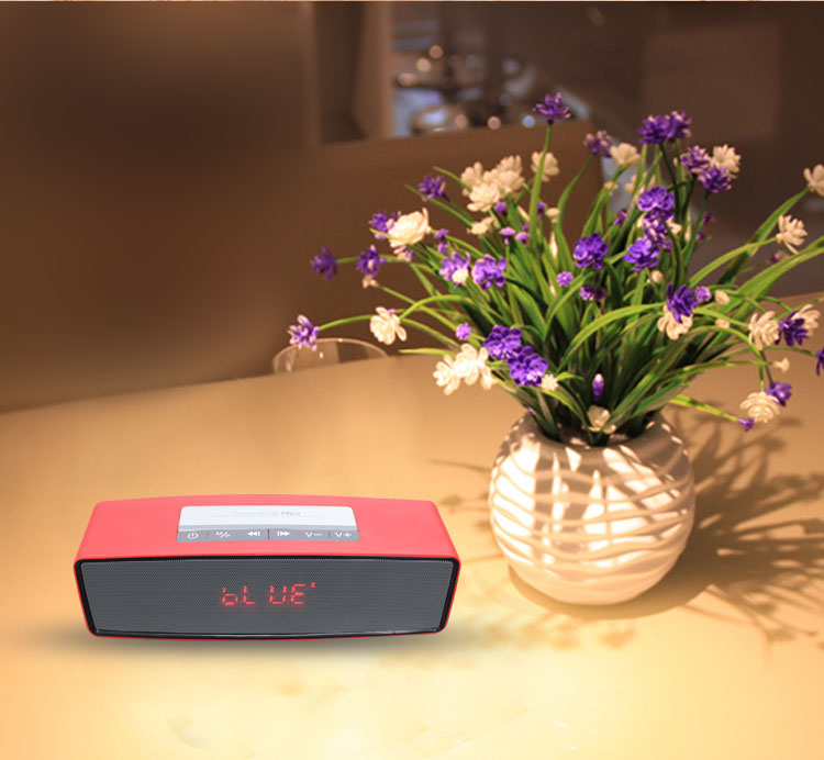 Multi-functional Bluetooth Speaker with FM radio and LCD display
