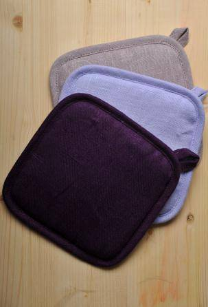 linen Oven Mitts. Kitchen Pot Holder. Designed and manufactured in Italy.