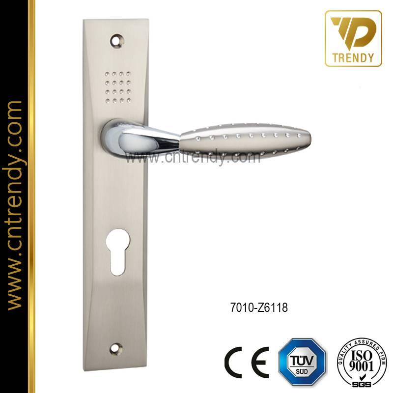 Hardware Zinc Alloy Lock Furniture Door Handle with Plate (7010-Z6118)