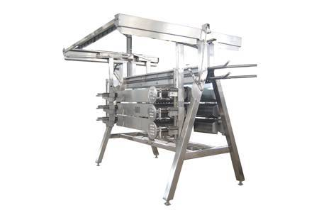 Poultry carcass plucking machine