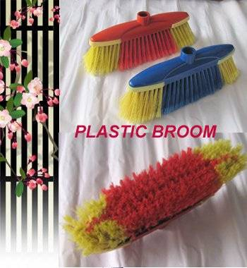 HQ0153 Italian screw red color indoor soft broom W/TPR,protect furniture while cleaning
