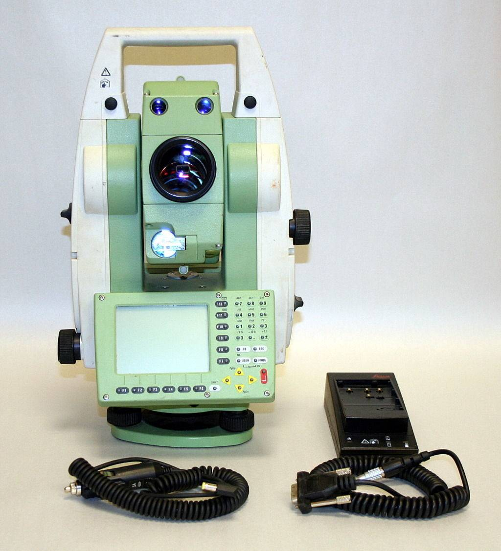 LEICA TOTAL STATION TCRP 1205 R300 For sale