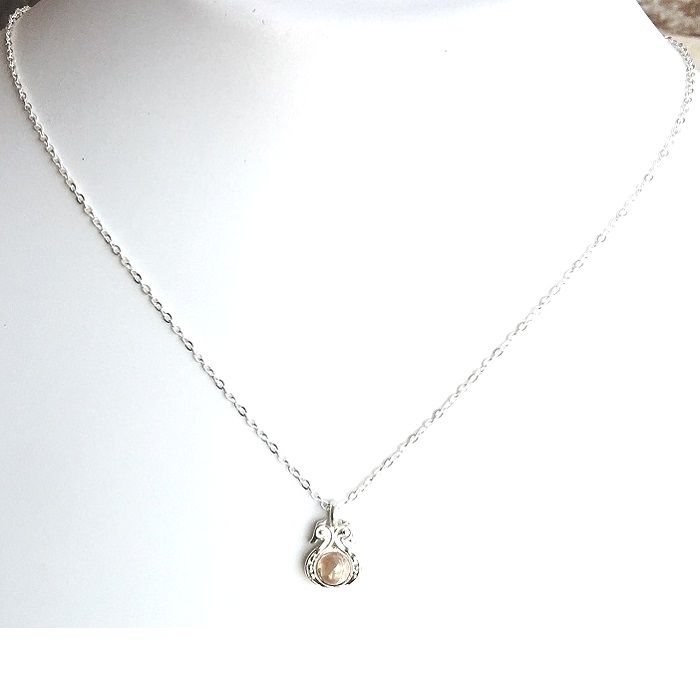 beautiful sterling silver pendant set