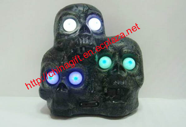 Three Skull Heads Lamp