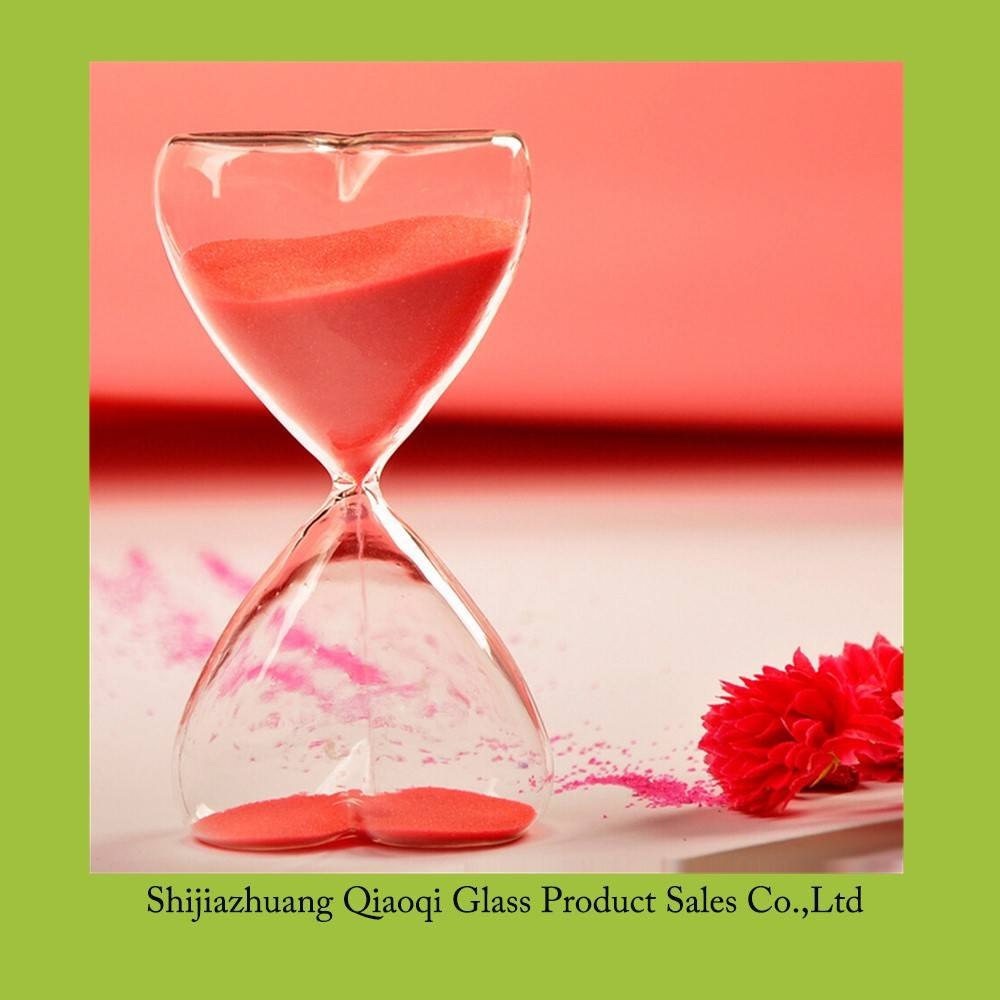 LOVE Shape Hourglass time for 15 minutes / Hourglass for Kids