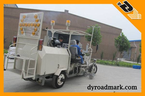 Big  Thermoplastic Screeding Type Road Marking Car