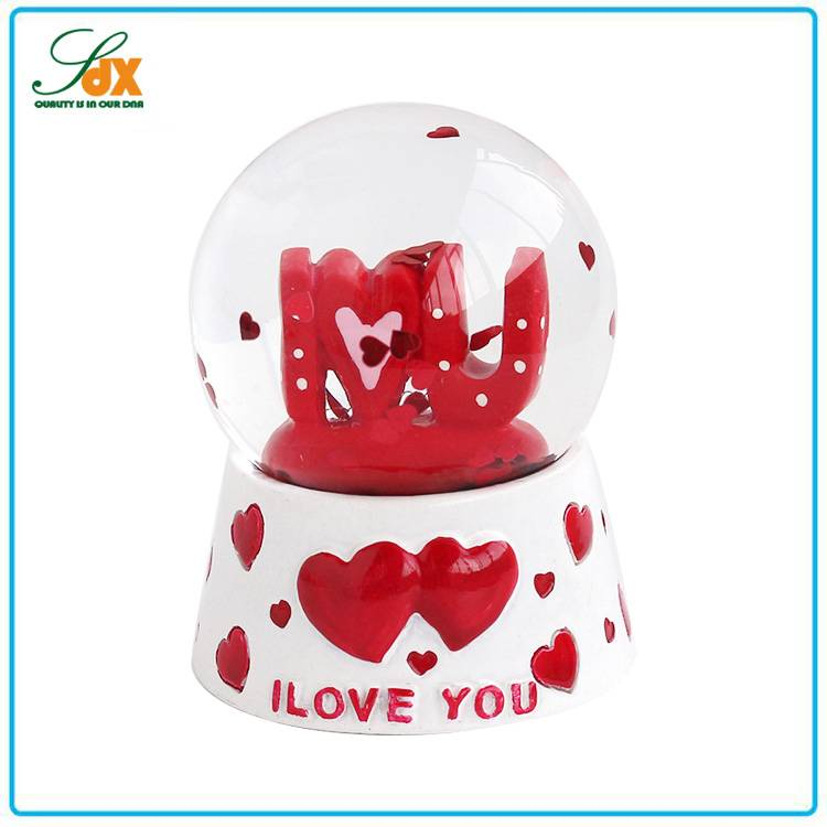 Fashion Superior Quality Beautiful Wedding Gifts Love Heart Snow Globe
