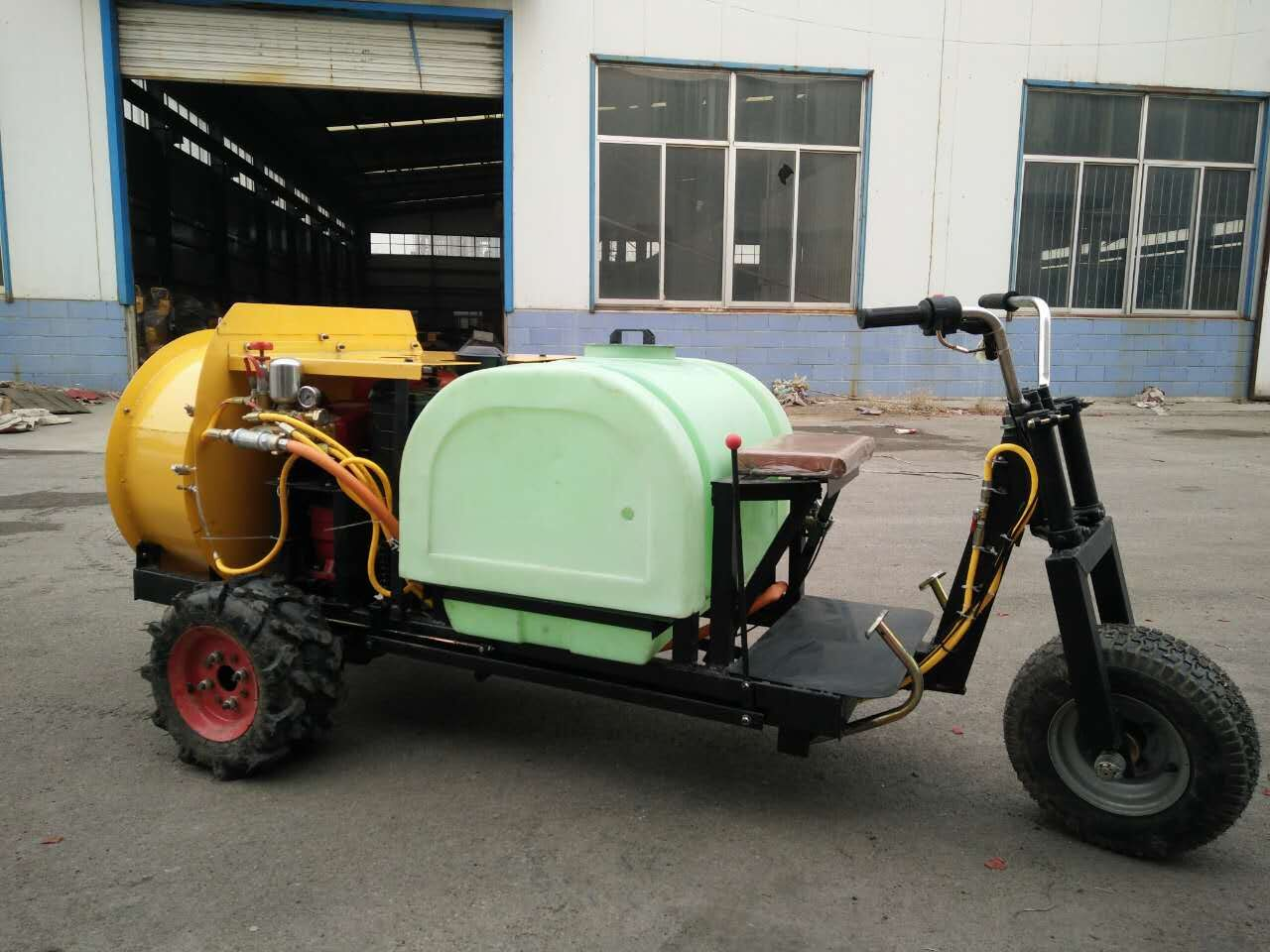pesticide spraying machine /tractor insecticide spray machine