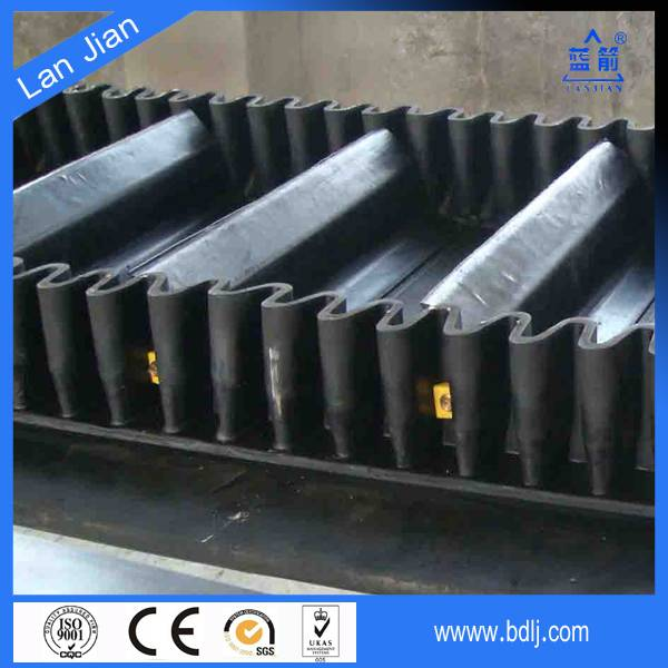 Heavy Duty EP Fabric Core Large Angle Rubber Corrugated Sidewall Conveyor Belt Manufacturer