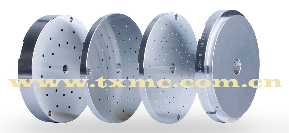 Polyester and nylon composite spinneret