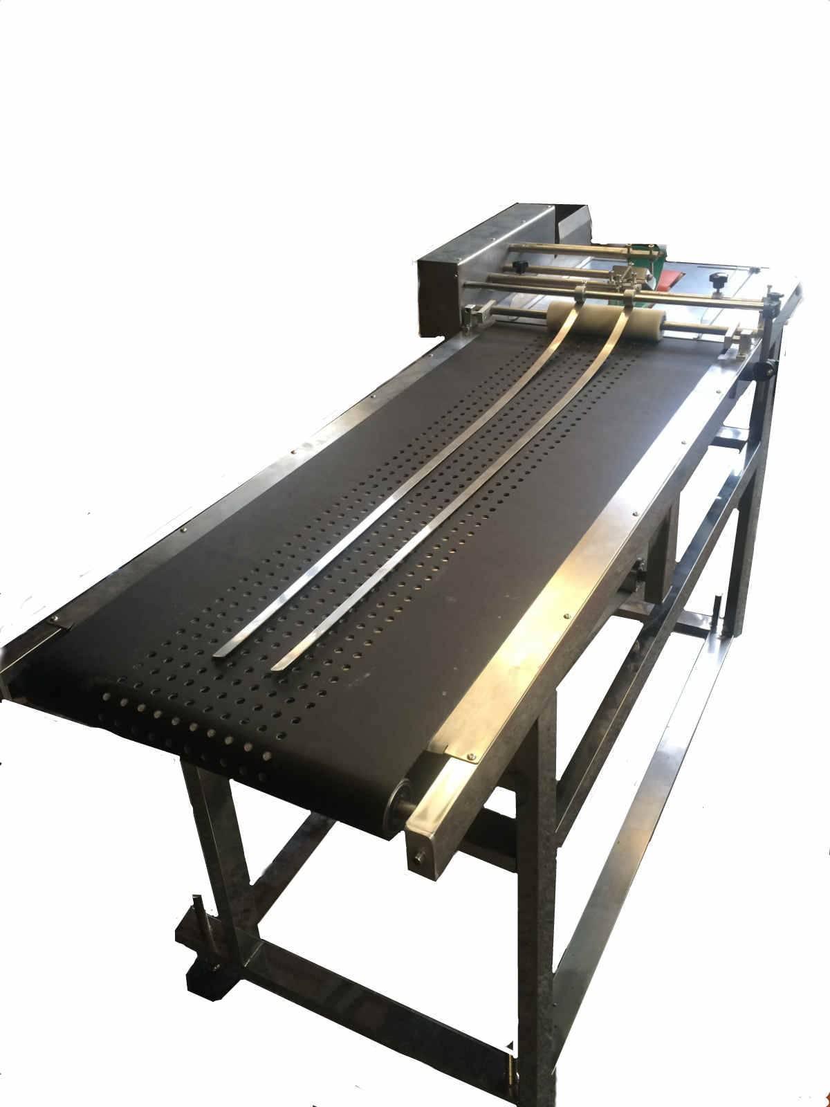 Adsorption type paging machine