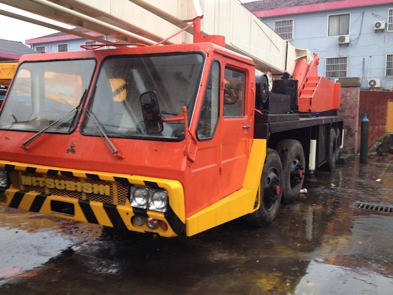kato NK400E Used mobile crane for sale in low price with high quality