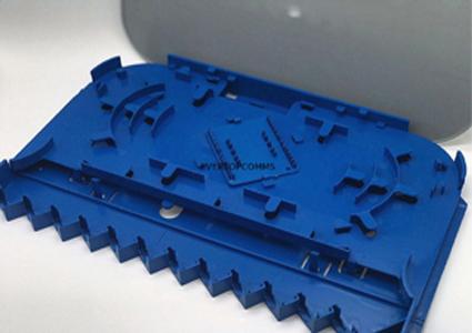 Plastic 12 Core Standard Fiber Optic Accessory Splice Tray For FTTH CE Certification