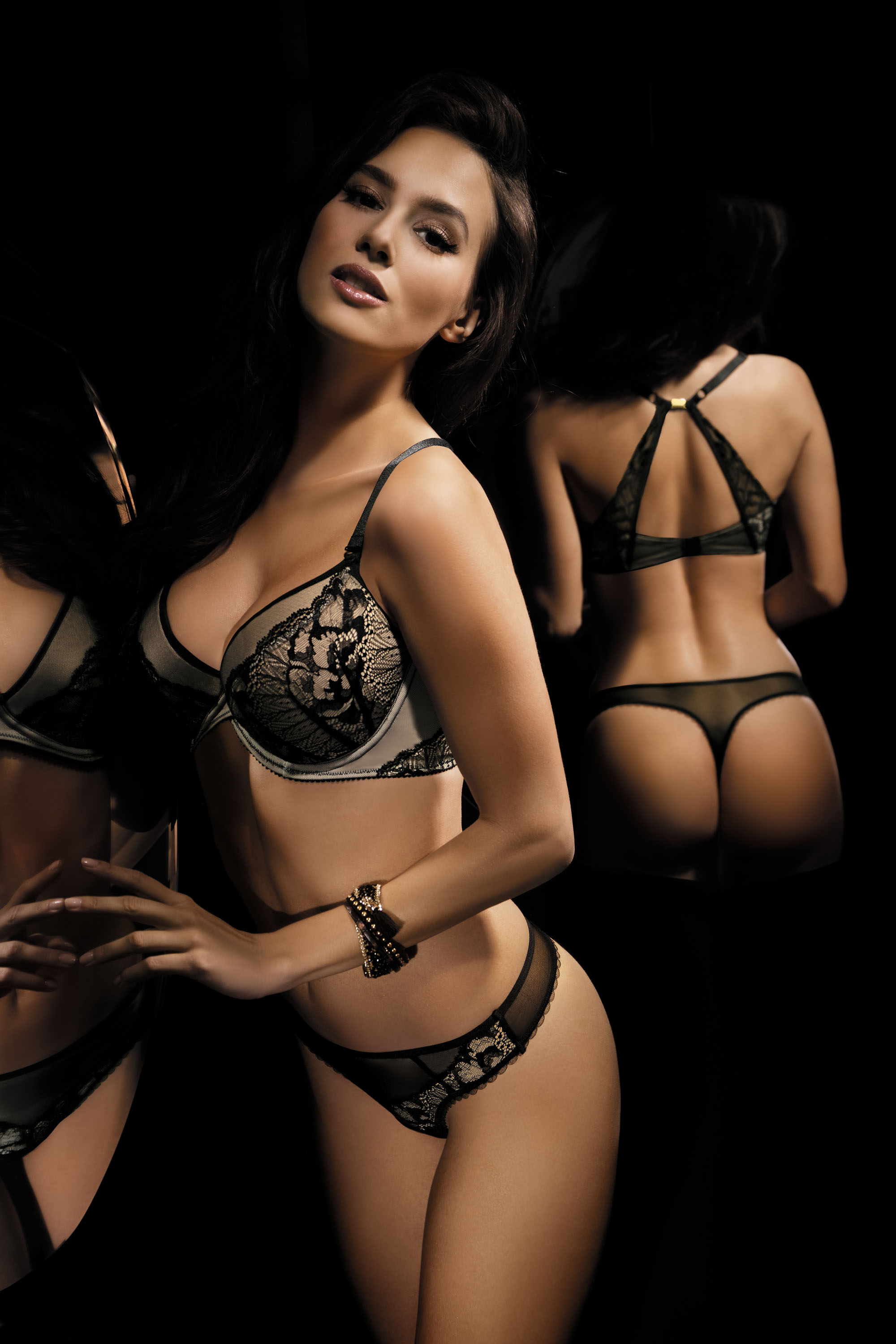 By Night Set: push-up bra and string