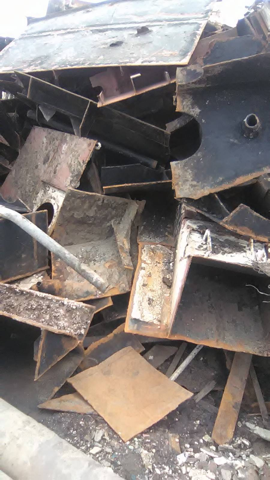 Mill Mall Plate (Broken Ship Plates) of Gaddani Ship breaking yards Pakistan