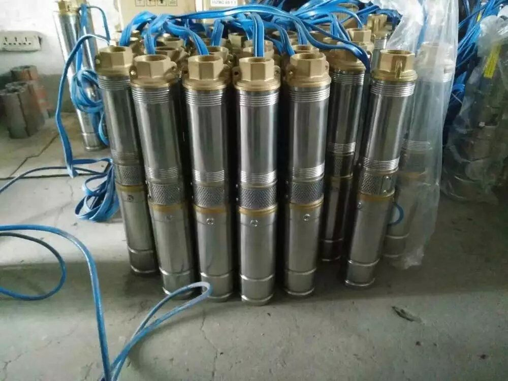 Professional 4 inch diameter centrifugal deep bore well dc solar power submersible water pump
