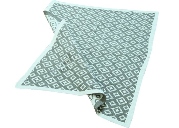 Wholesale China factory anti-pilling flame retardant soft rhombus 100% polyester wool knitted blanke