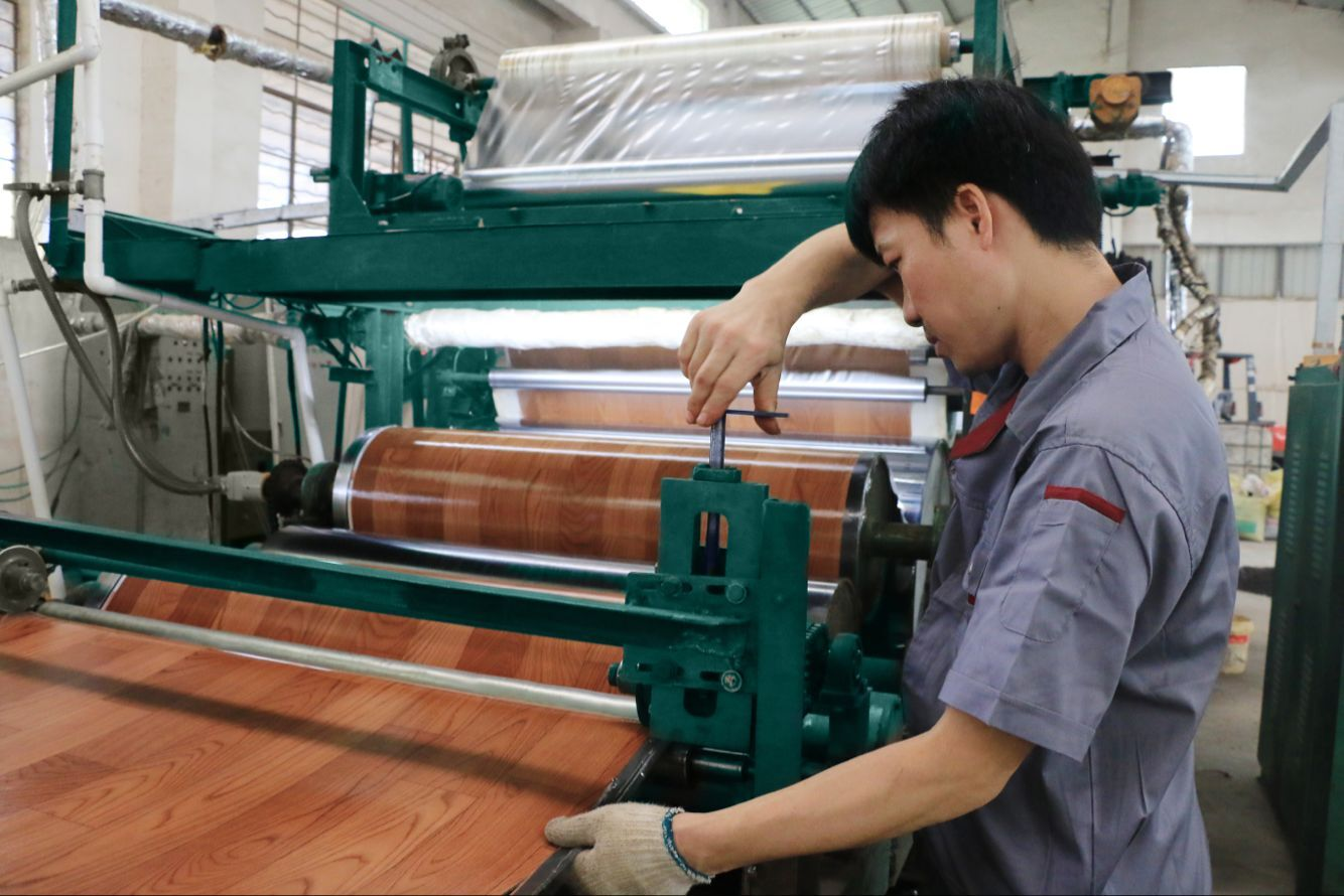 China professional experience flooring manufacturer