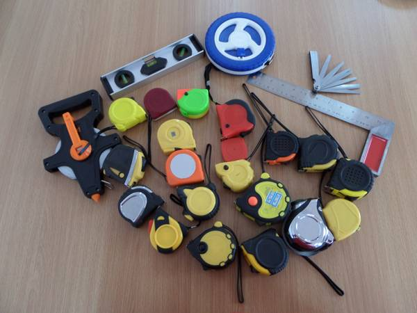 variety of measuring tape with ABS shell and steel blade