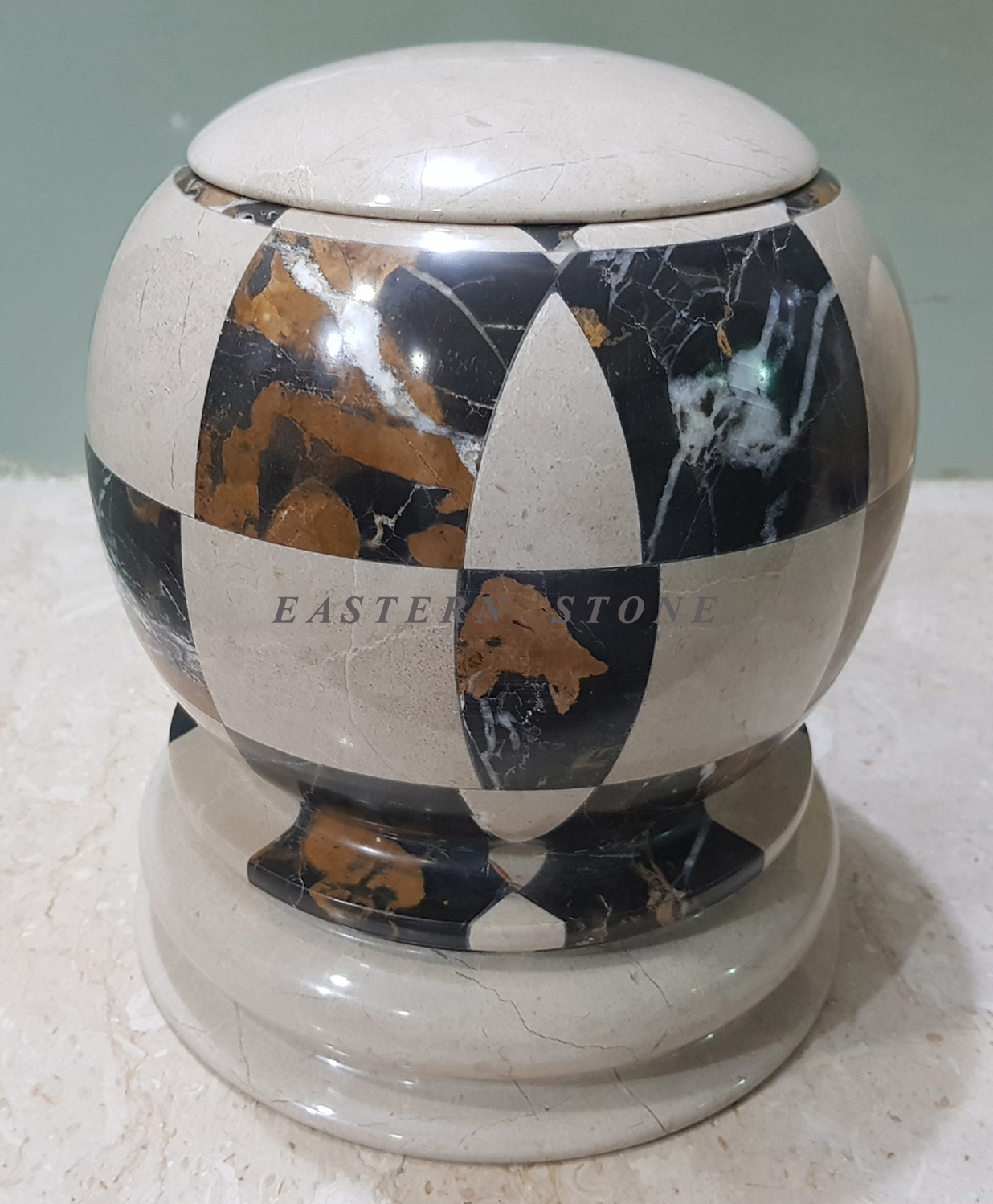 NEW EUROPEAN CREMATION URNS, ASH URNS, FUNERAL URNS DESIGN SHAPES