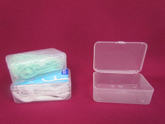 Dental floss pick in Clear plastic case box with high quality