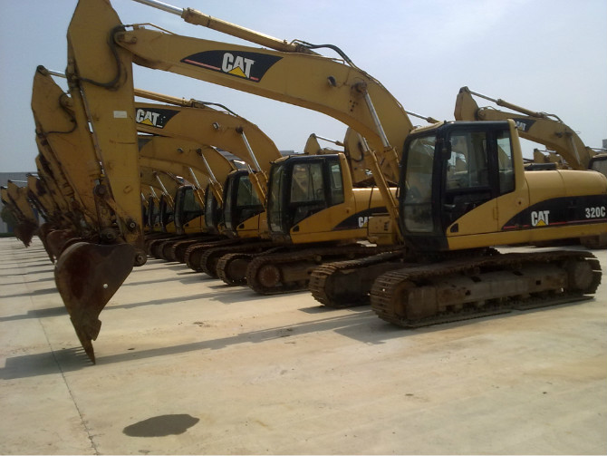 Used CAT  Excavators (320C,330C,330D,345B)