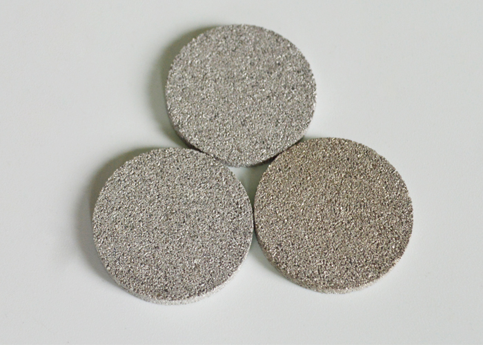 Aeration in the fermentation of biopharmaceuticals use titanium sintered filter disc