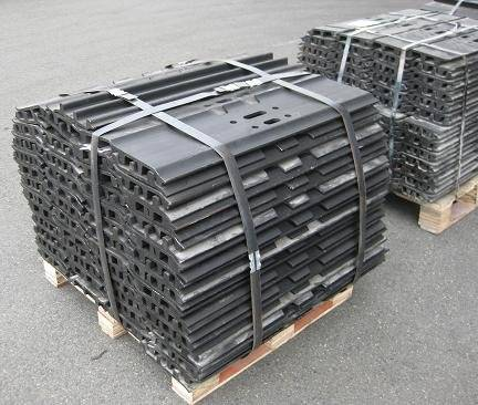 CASE Excavator Track Shoes