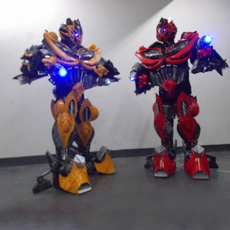 Bumblebee armor to sting armor to cosplay props